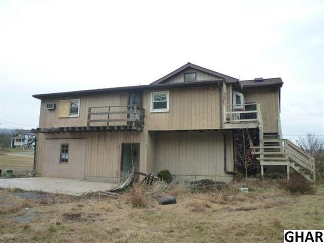 918 Paradise Rd, New Bloomfield, PA 17068