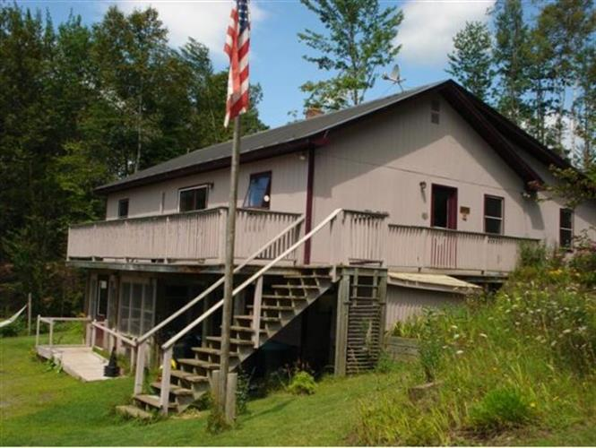 1087 East Peacham Road, Peacham, VT 05862