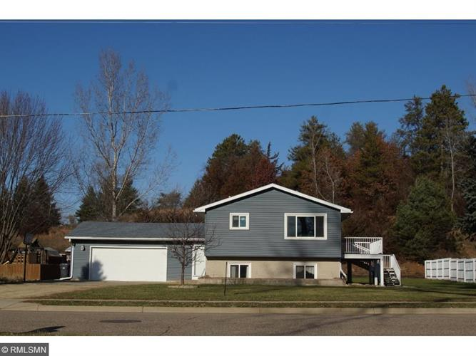 6513 Spruce Dr, Cannon Falls, MN 55009