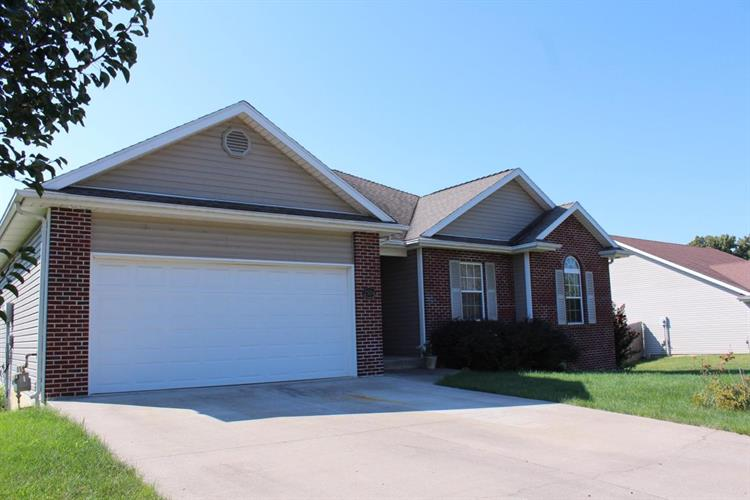 2504 OAKFIELD DR, Columbia, MO 65202
