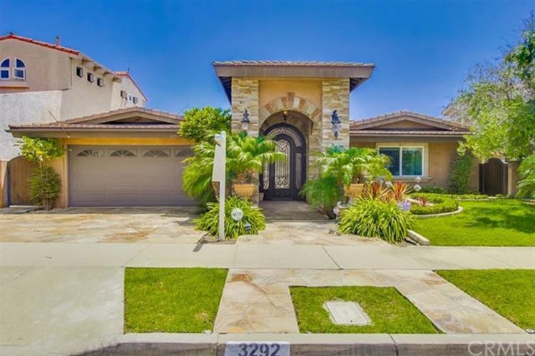 3292 Gilbert Drive, Huntington Beach, CA