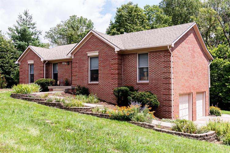 2035 Fox Trail Dr, La Grange, KY 40031