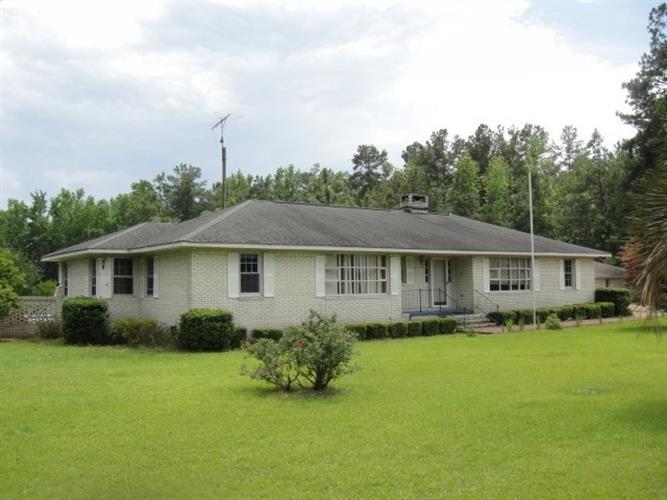 805 McCutchen Rd, Cades, SC 29518