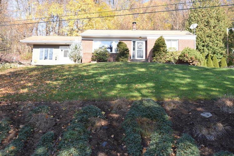 964 Vallamont Dr, Williamsport, PA 17701