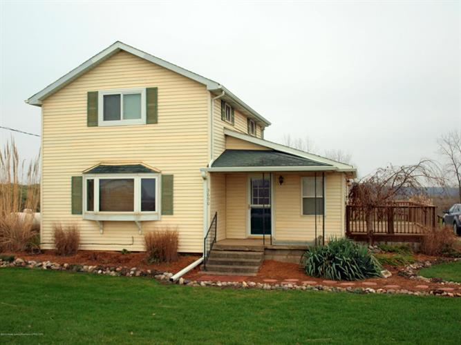 3690 N Chandler Rd, Saint Johns, MI 48879