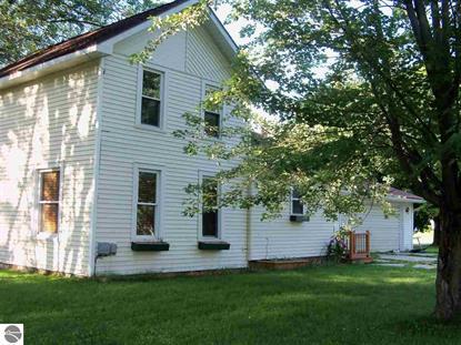 231 E Cottage Ave, Shepherd, MI 48883