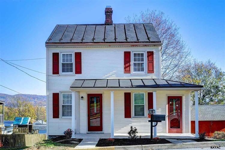 319 S 2nd St, Wrightsville, PA 17368