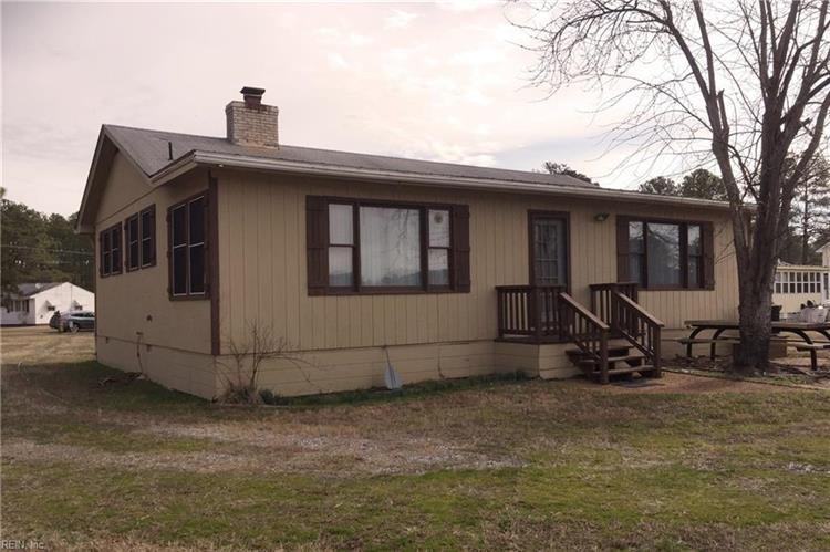 3206 Horse Rd, Hayes, VA 23072