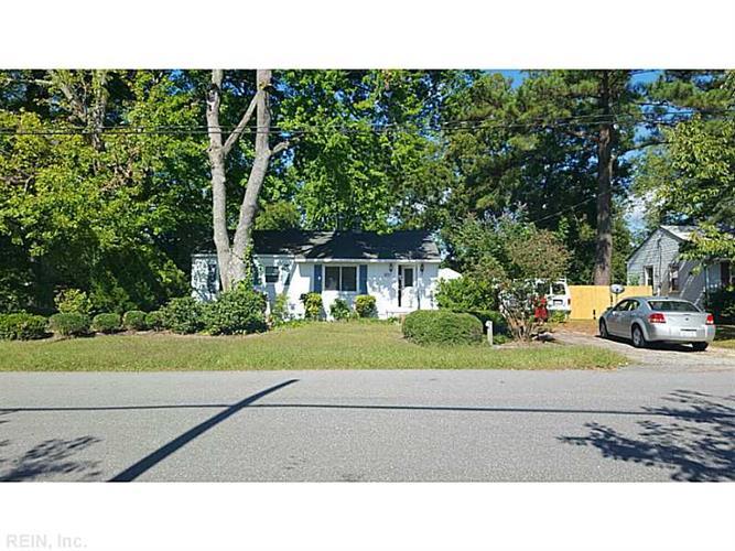 25 Hoopes Rd, Newport News, VA 23602