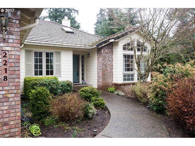 2218 Parkview Ct, West Linn, OR 97068