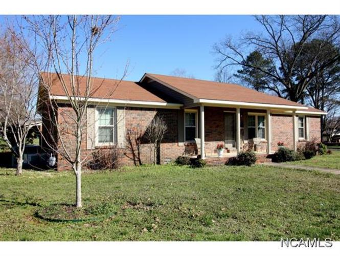 316 East St, Moulton, AL 35650