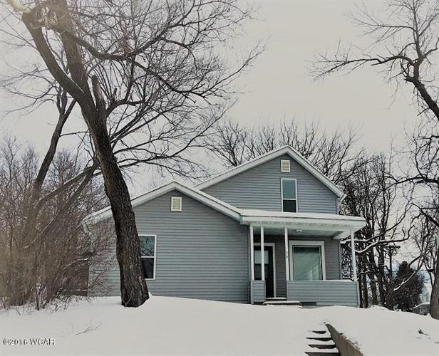 324 S 3rd St, Montevideo, MN 56265