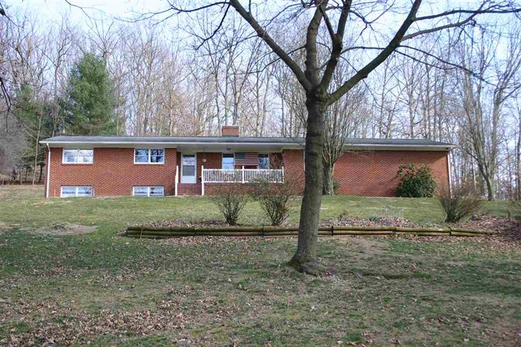 734 Dices Spring Rd, Weyers Cave, VA 24486