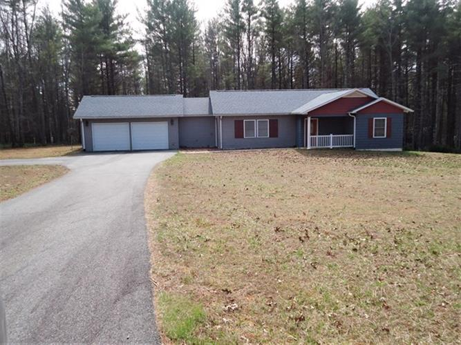 COUNTRY WOODS DR, Hillsville, VA 24343