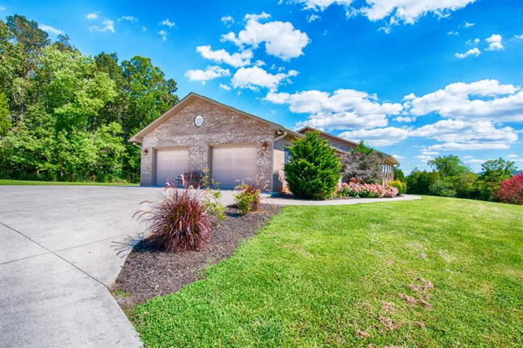6107 Cate Rd, Powell, TN 37849