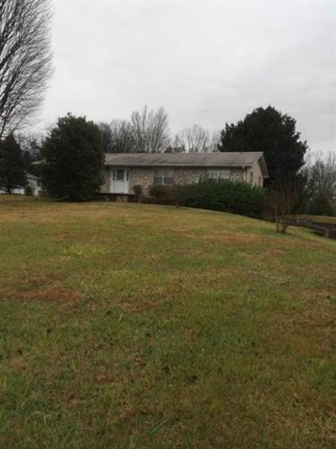 9506 Thorngrove Pike, Strawberry Plains, TN 37871