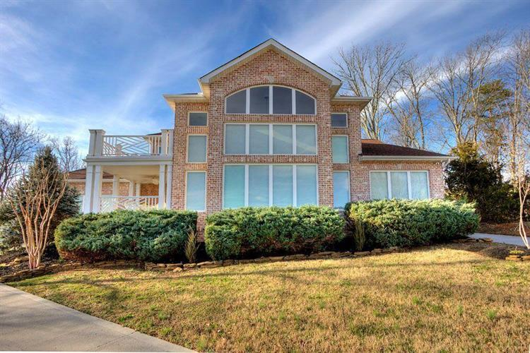 514 Riverchase Lane, Dandridge, TN 37725