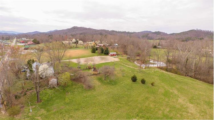 3154 Wears Valley Rd, Sevierville, TN 37862