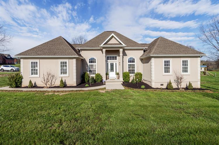 114 St James, Sweetwater, TN 37874