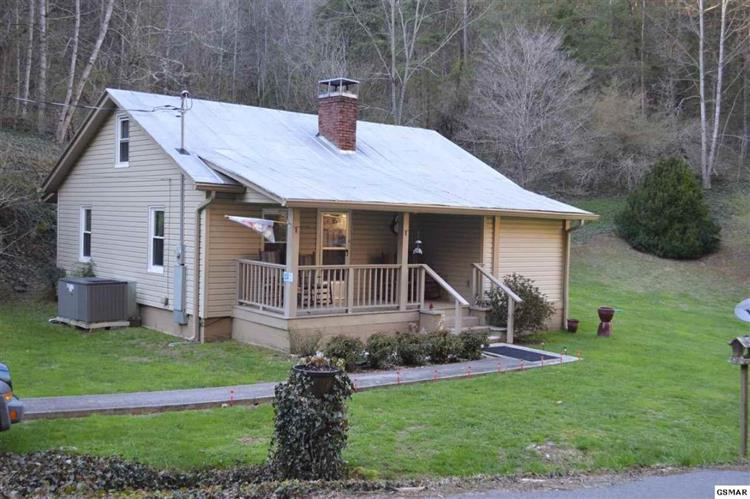 1105 King Branch Rd, Sevierville, TN 37876