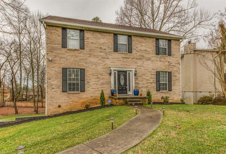 525 Banbury Rd, Knoxville, TN 37934