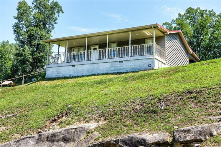 414 Oak Run Lane, Lafollette, TN 37766