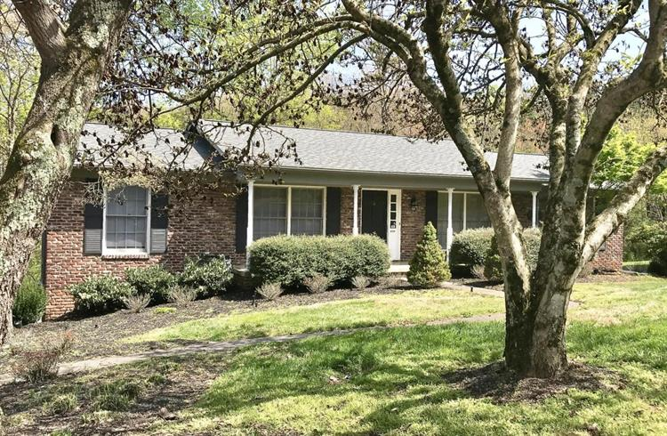 3718 Cherrylog Rd, Knoxville, TN 37921