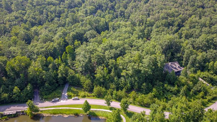 426 Kinzel Springs Way, Townsend, TN 37882