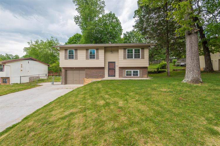 6620 NW Ellesmere Drive, Knoxville, TN 37921