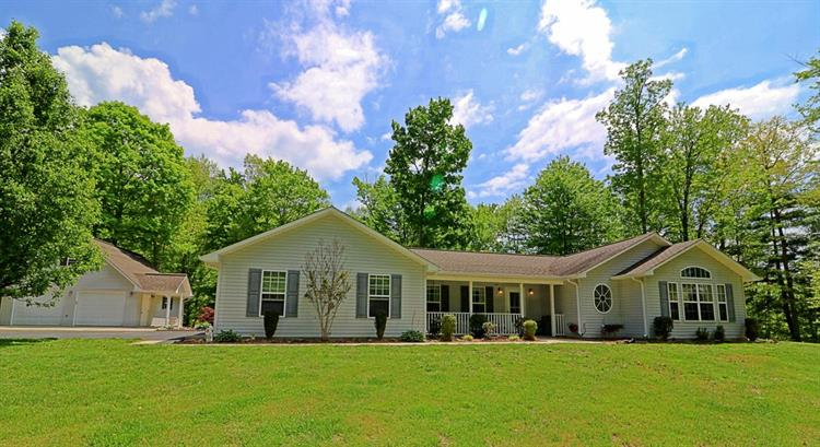 383 Chance Private Drive, Oneida, TN 37841
