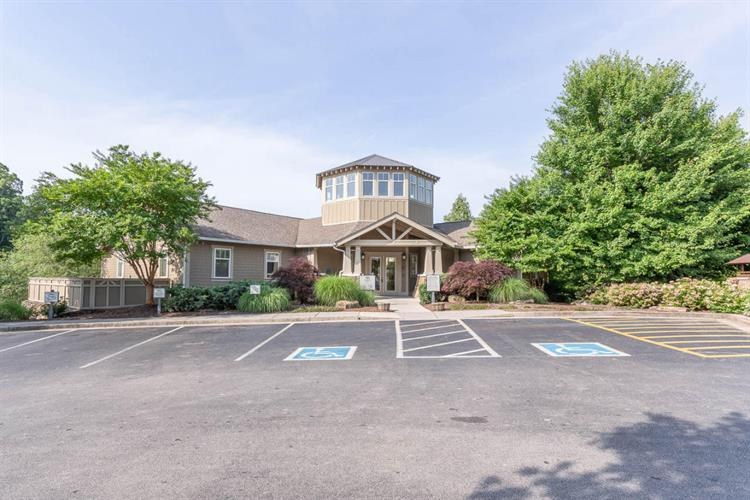 1130 Tree Top Way, Knoxville, TN 37920