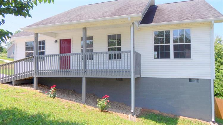 244 Sandy Hill Rd, Lafollette, TN 37766