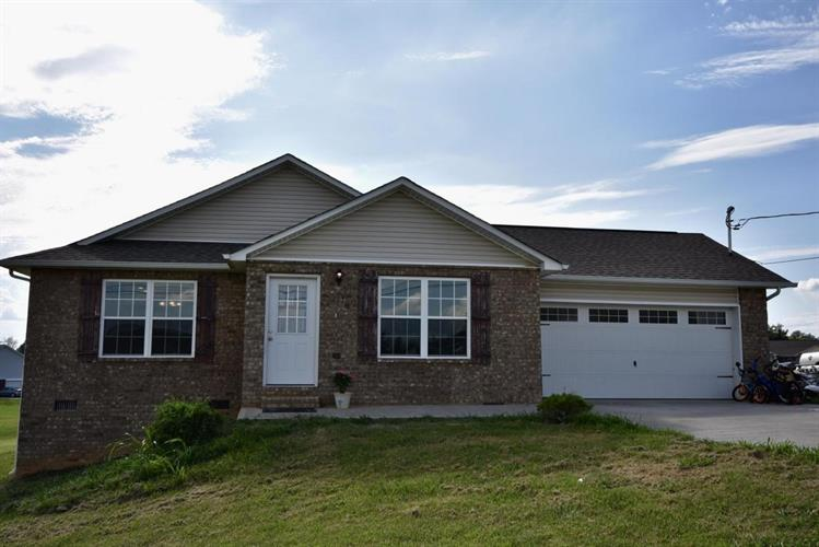 618 Privet Drive, Dandridge, TN 37725