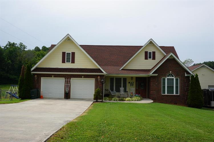 880 Chestnut Grove Rd, Dandridge, TN 37725