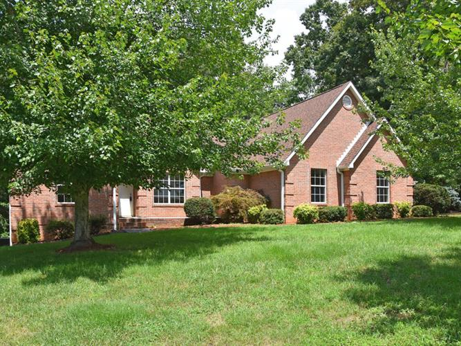 483 Casey Lane, Strawberry Plains, TN 37871