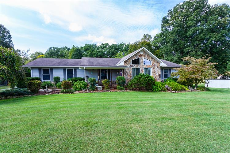 317 County Road 112, Athens, TN 37303