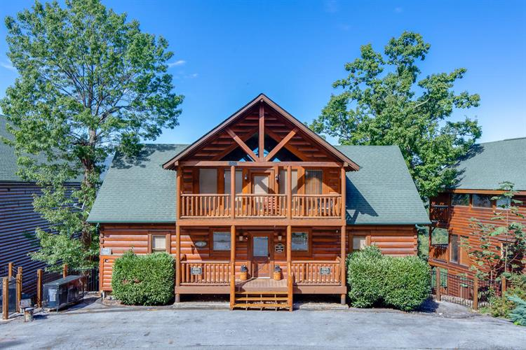 946 Black Bear Cub Way Way, Sevierville, TN 37862
