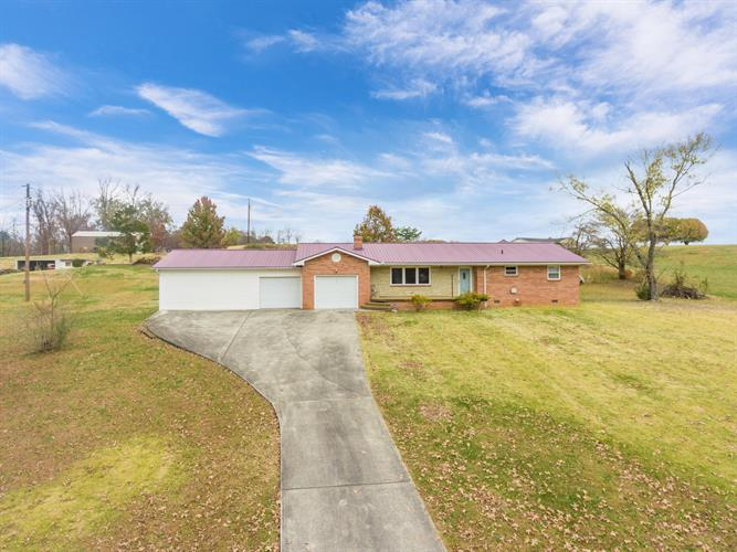 206 Quarry Rd, Harriman, TN 37748 - Image 1