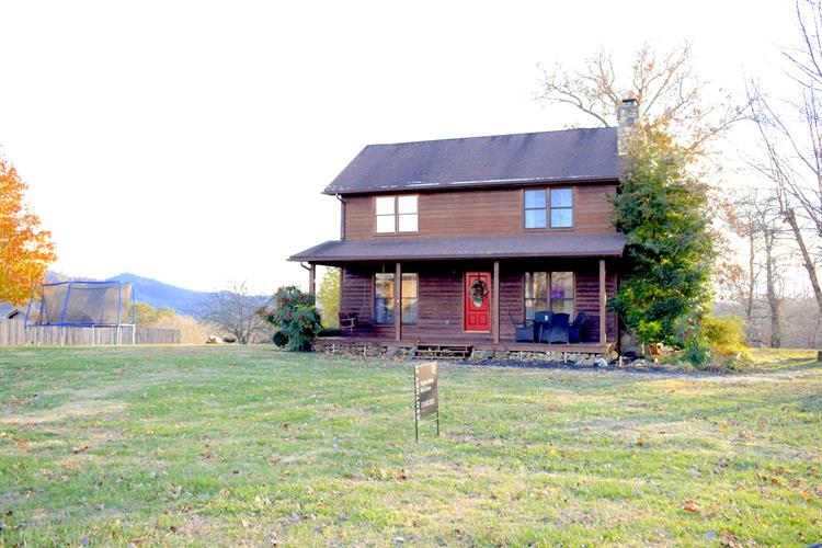 381 Whitaker Lane, Tazewell, TN 37879 - Image 1