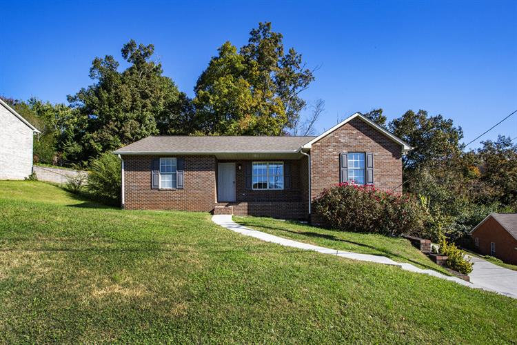 8044 Florence Gardens Rd, Knoxville, TN 37938 - Image 1