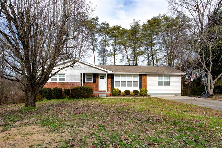112 Dayton Rd, Oak Ridge, TN 37830 - Image 1