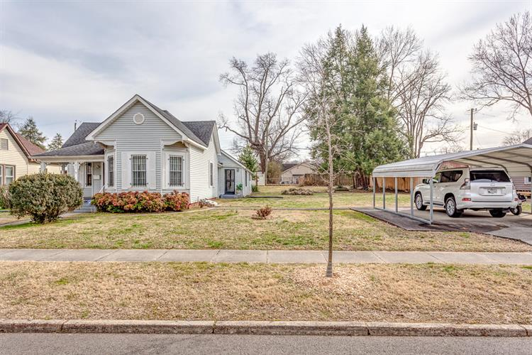 422 E Springdale Ave, Knoxville, TN 37917 - Image 1