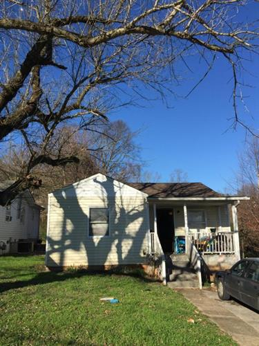 1009 NW Dinwiddie St, Knoxville, TN 37921