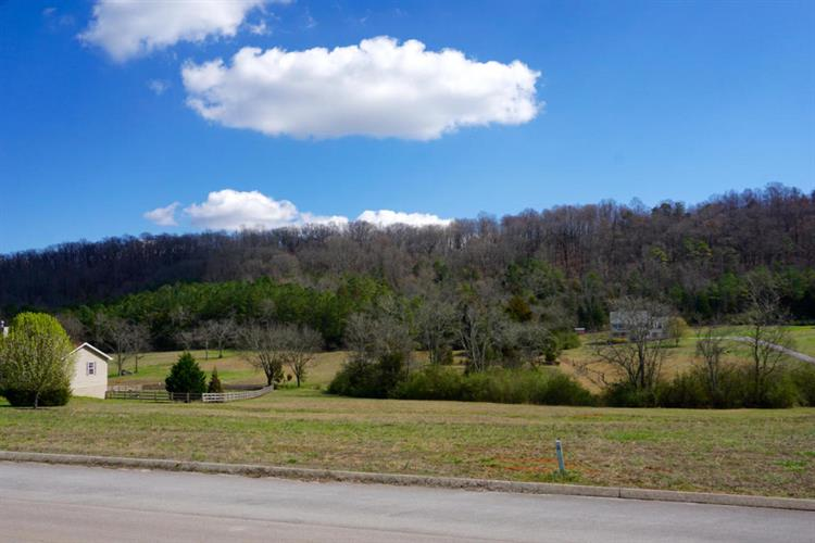 430 Ranch Rd, Loudon, TN 37774