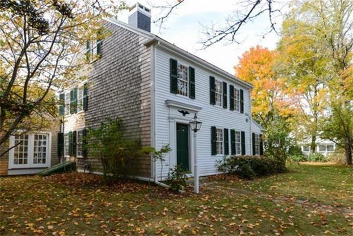 130 Old Main Rd, Falmouth, MA 02556