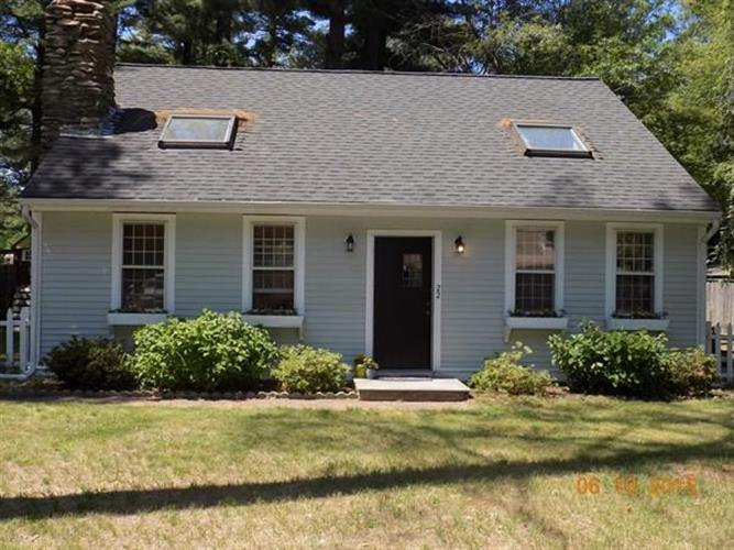 22 Old Colony Ave, Pembroke, MA 02359