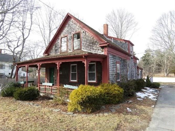 145 Plymouth St, Carver, MA 02330