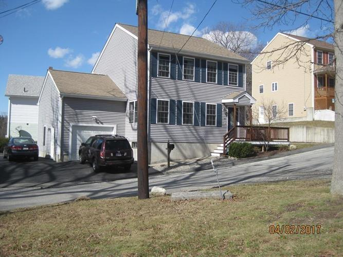66 County St, Blackstone, MA 01504