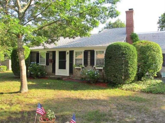 7 Checkerberry Ln, Yarmouth, MA 02673