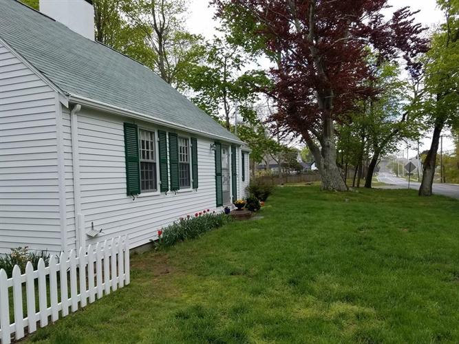 455 Shore Rd, Monument Beach, MA 02553